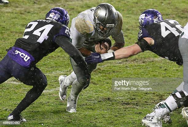 cornerback-julius-lewis-and-linebacker-t