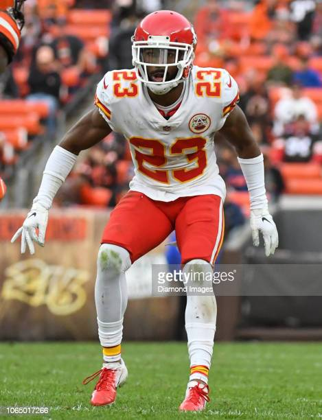 Cornerback Kendall Fuller of the Kansas City Chiefs drops into pass coverage in the fourth quarter of a game against the Cleveland Browns on November...