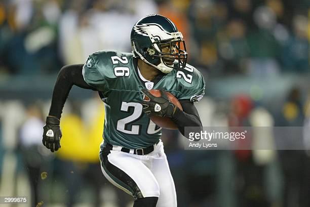 Cornerback Lito Sheppard of the Philadelphia Eagles runs the ball during the game against the Carolina Panthers in the NFC Championship game on...