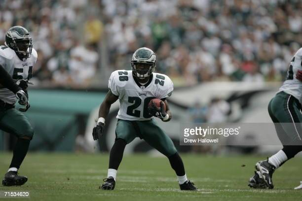 Cornerback Lito Sheppard of the Philadelphia Eagles runs with the ball after an interception at Lincoln Financial Field on September 18, 2005 in...