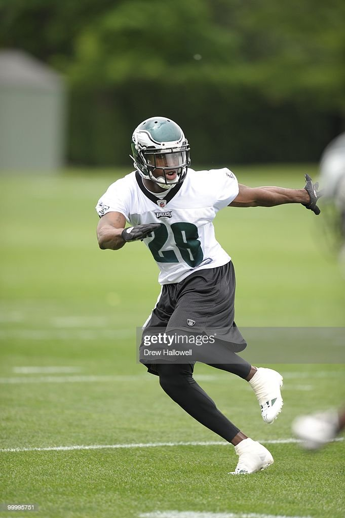 Cornerback Marlin Jackson #28 of the Philadelphia Eagles drops back during practice on May 19, 2010 at the NovaCare Complex in Philadelphia, Pennsylvania.