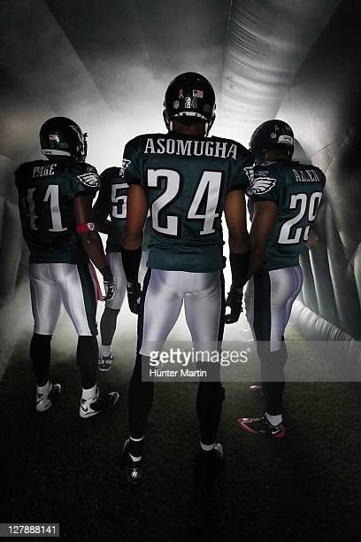 Cornerback Nnamdi Asomugha of the Philadelphia Eagles stands in the tunnel before a game against the San Francisco 49ers on October 2, 2011 at...