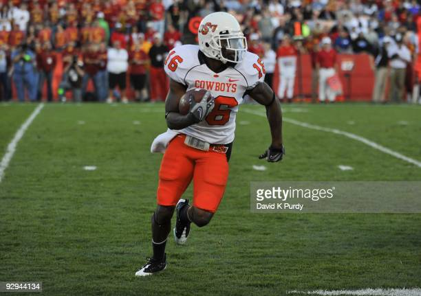 Cornerback Perrish Cox of the Oklahoma State Cowboys returns a kick off against the Iowa State Cyclones in the second half of play at Jack Trice...