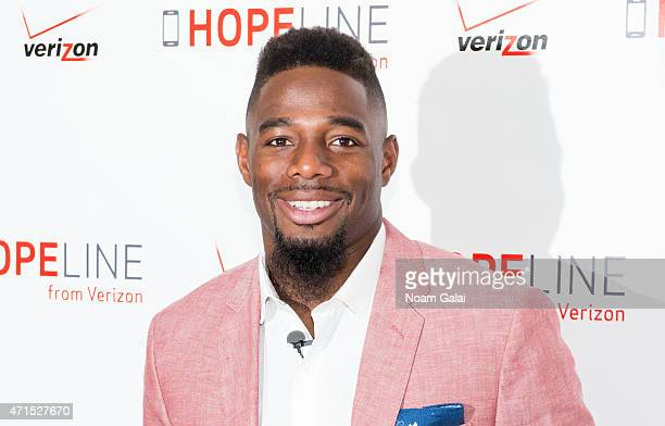 NFL cornerback William Gay attends the HopeLine phone donation event supporting domestic violence prevention at Bryant Park Verizon Store on April 29...