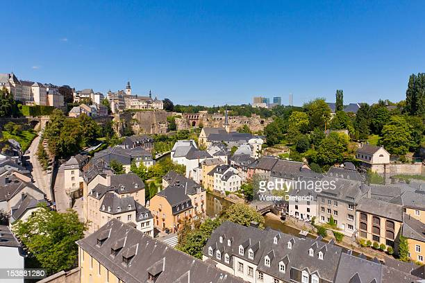 corniche and grund district, luxembourg city - luxembourg city luxembourg stock pictures, royalty-free photos & images