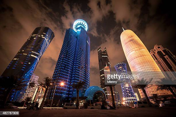corniche doha qatar modern urban skyscrapers - qatar stock pictures, royalty-free photos & images