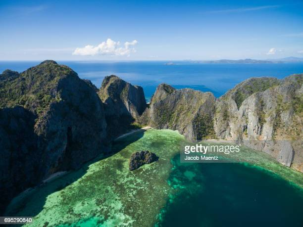 coron island, palawan. - paisajes de filipinas fotografías e imágenes de stock