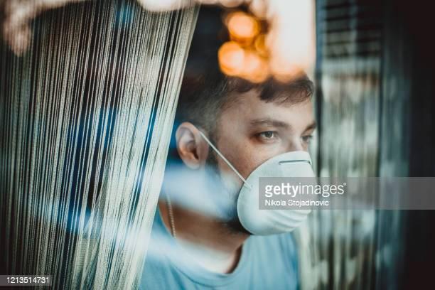 corona, patientisolering - munskydd ensam bildbanksfoton och bilder