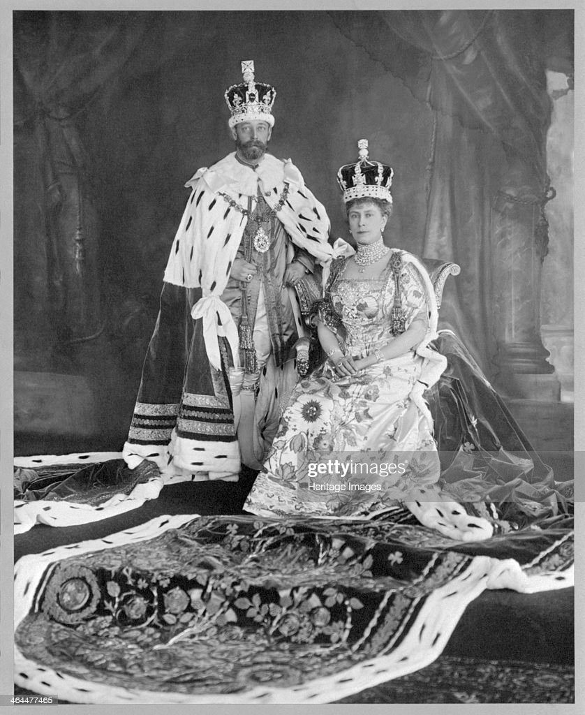 Coronation photograph of George V and Queen Mary, 1911. : ニュース写真
