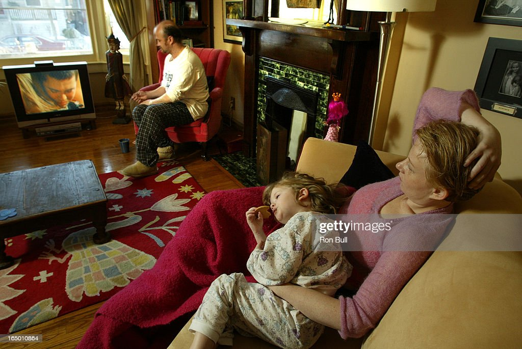 Coronation RB06 02/13/05 My Sunday ritual for Elizabeth Saunders , her husband Cliff and daughter Br : News Photo