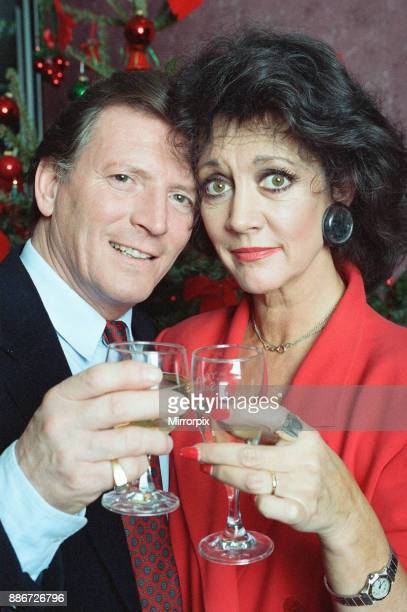 Coronation Street Christmas Photocall Johnny Briggs and Amanda Barrie 19th December 1991