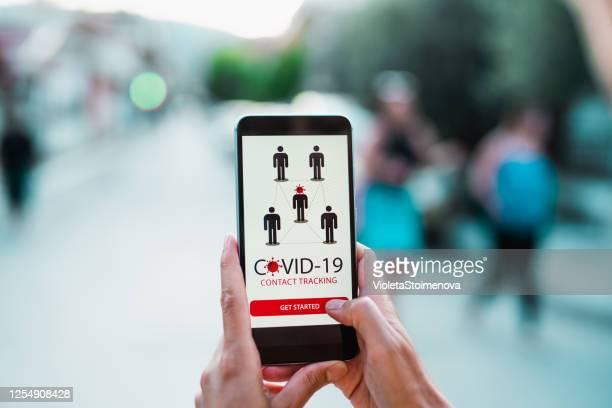 コロナウイルス/covid-19追跡アプリ。 - 追跡 ストックフォトと画像
