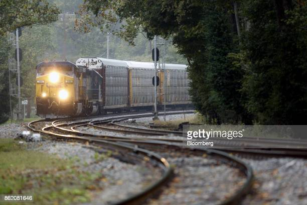 Corp freight train passes through Louisville Kentucky US on Sunday Oct 15 2017 CSX is scheduled to release earnings figures on Oct 17 Photographer...