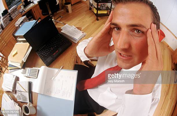 corporate headaches - ineptitude stock pictures, royalty-free photos & images