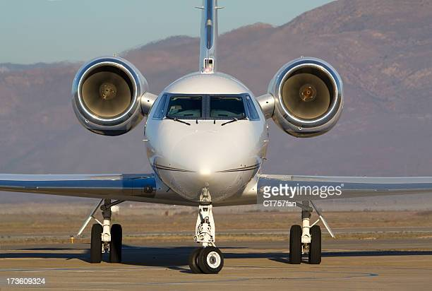 corporate jet - private aeroplane stock pictures, royalty-free photos & images