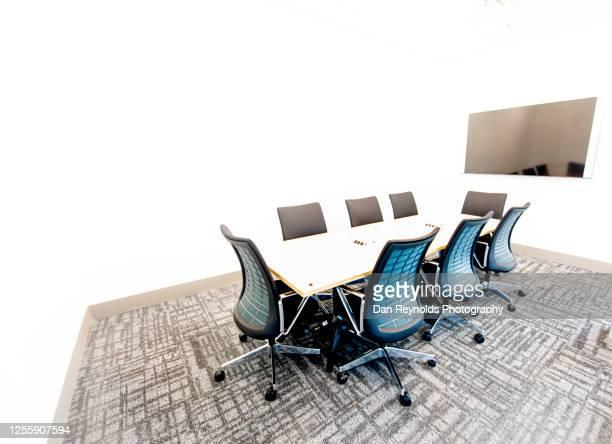 corporate meeting room hdr - abszess stock-fotos und bilder