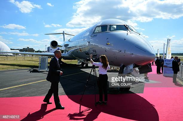 media gettyimages com/photos/corporate-video-prese