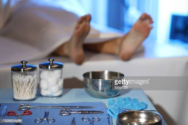 corpse in morgue. focus on toe tag. - dead body stock pictures, royalty-free photos & images