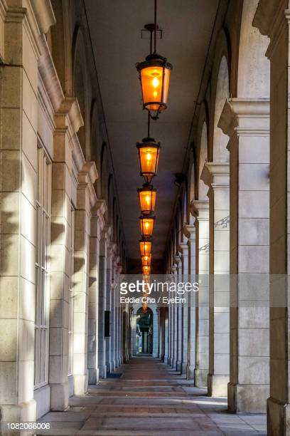 corridor of building - colonnade stock pictures, royalty-free photos & images