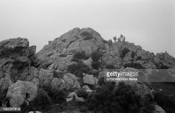 Corse France novembre 1983 Un détachement de légionnaires du 2ème Régiment étranger de parachutistes à l'entraînement dans la montagne corse Ici vue...