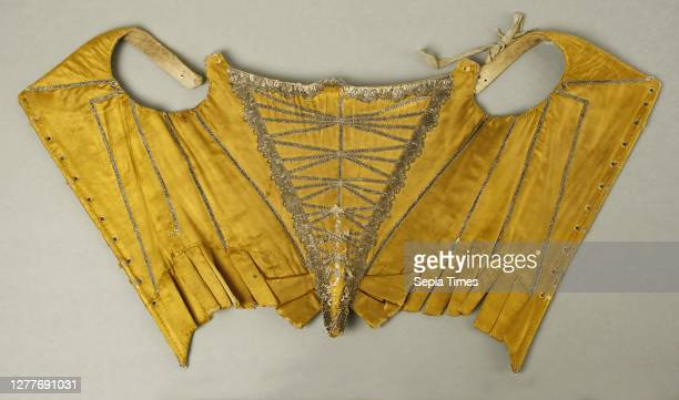Corset, French, late 17th–early 18th century, French, silk, metallic thread.