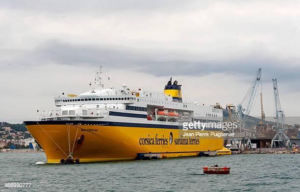 Corsica ferry port de toulon