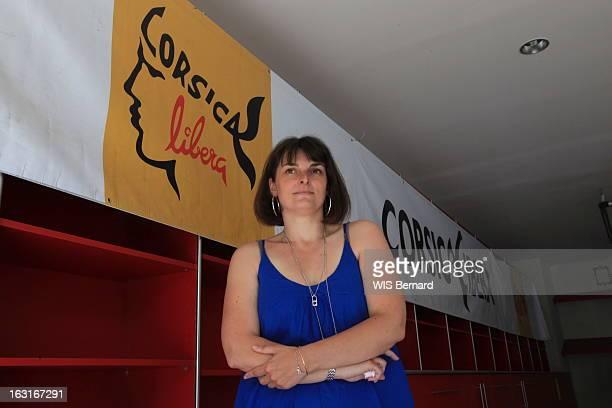 Veronique Sciaretti Corse Juin 2012 Attitude de Véronique SCIARETTI élue à l'Assemblée de Corse et militante de Corsica Libera le parti...
