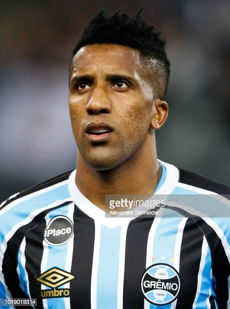 Cortez of Gremio in action during the match against Corinthians for the Brasileirao Series A 2018 at Arena Corinthians Stadium on August 18 2018 in...