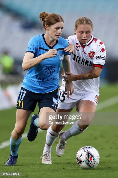 Cortnee Vinew of Sydney FC and Rosie Galea of the Wanderers contest the ball during the round four W-League match between Sydney FC and the Western...