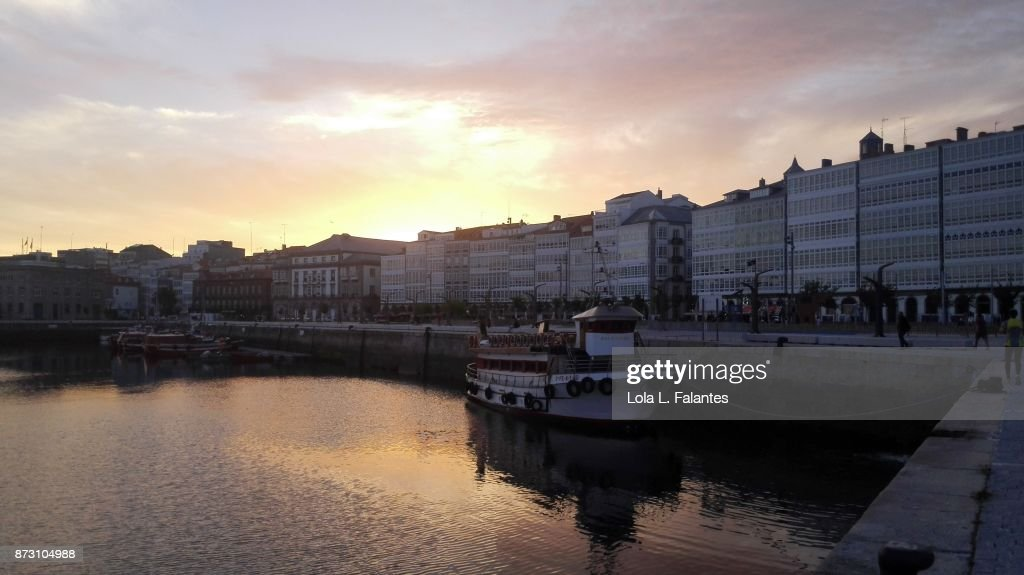 A Coruña cityscape at sunset : Foto de stock