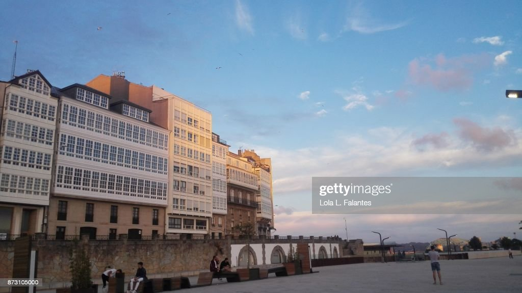 A Coruña cityscape at sunset : Foto de stock