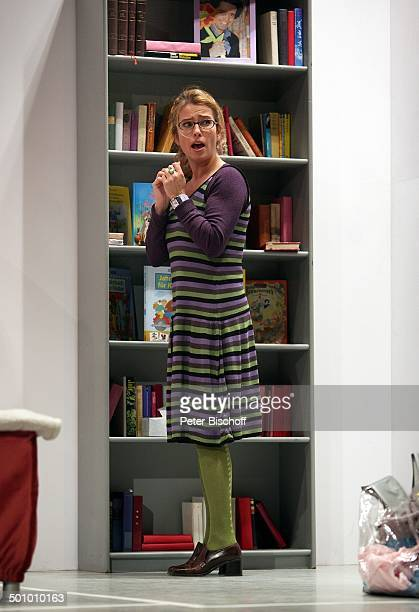 Cosima von Borsody Theaterstück Seitensprung ins Eheglück Wesseling NordrheinWestfalen Deutschland Theater Bühne Brille Schauspielerin Promi BB...