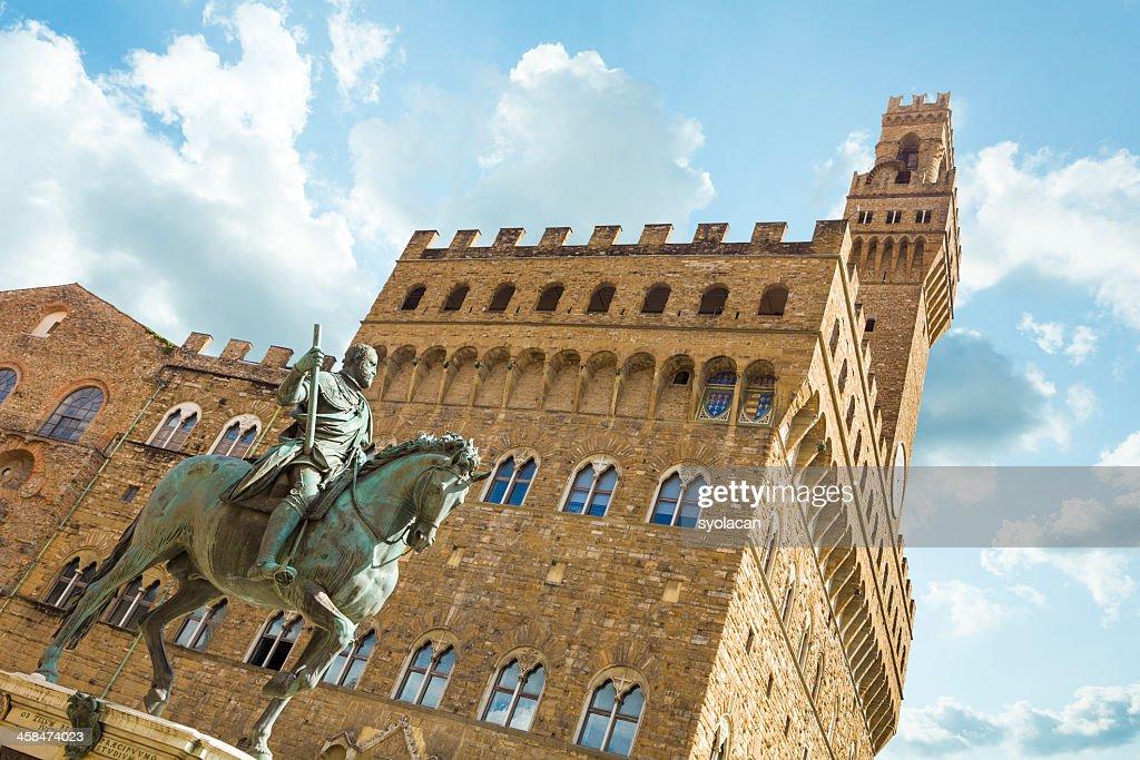 Cosimo de Medici and Palazza Vecchio : Stock Photo