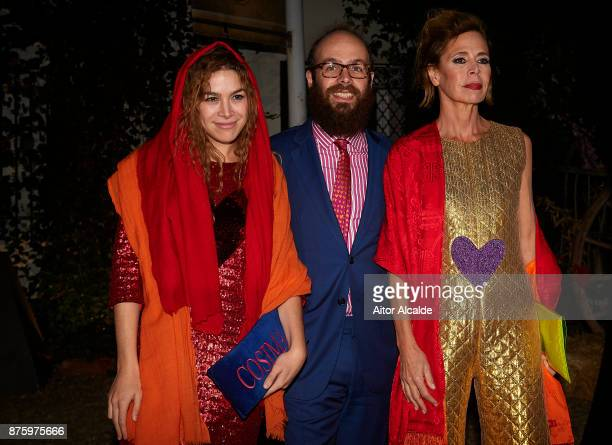 Cosmina Ramirez Tristan Ramirez and Spanish designer Agatha Ruiz de la Prada attend the SICAB Closing Gala 2017 on November 18 2017 in Seville Spain