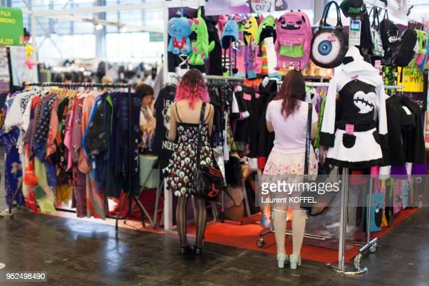 Cosplay dans les allées de Japan Expo le 4 juillet 2014 au parc des expositions de Villepinte France