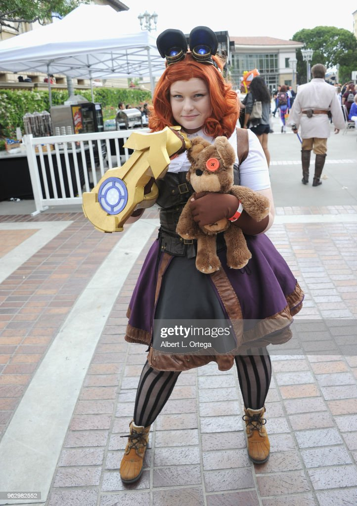 Cosplayer Alloe As Annie Tibbers From League Of Legends Attends The News Photo Getty Images