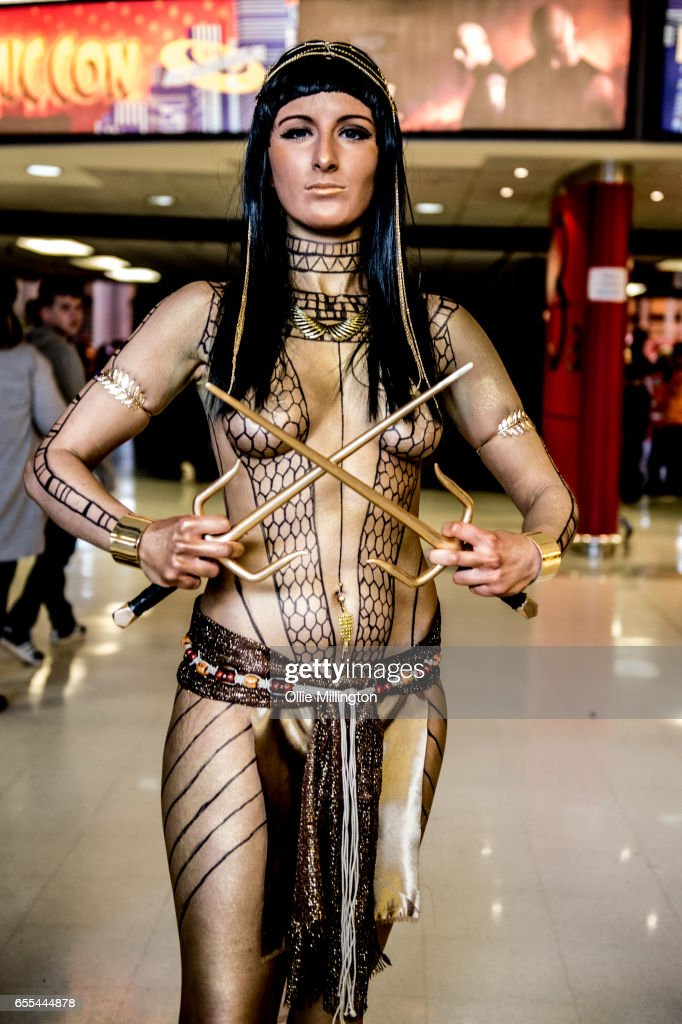 A Cosplayer In Character As Anck Su Namun The Pharaohs Mistress From Mummy