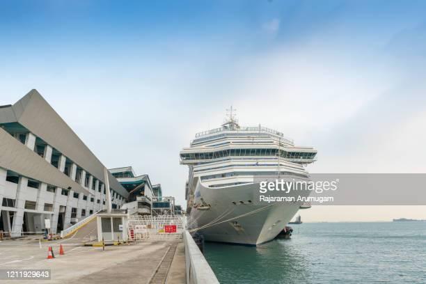 シンガポアマリーナピアコロナウイルスcovid-19にドッキングコスタグランダクルーズ船 - 遠洋定期船 ストックフォトと画像