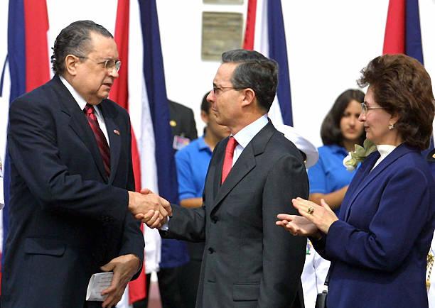 Costa rican president abel pacheco l s pictures getty images costa rican president abel pacheco l s m4hsunfo