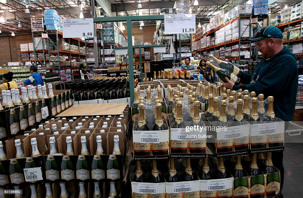 Economic Downturn Causes Drop In Champagne Sales : News Photo