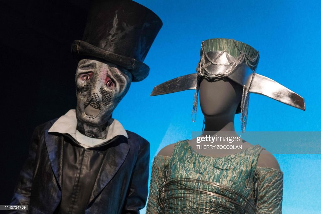 FRANCE-CULTURE-OPERA-COSTUMES-EXHIBITION : News Photo