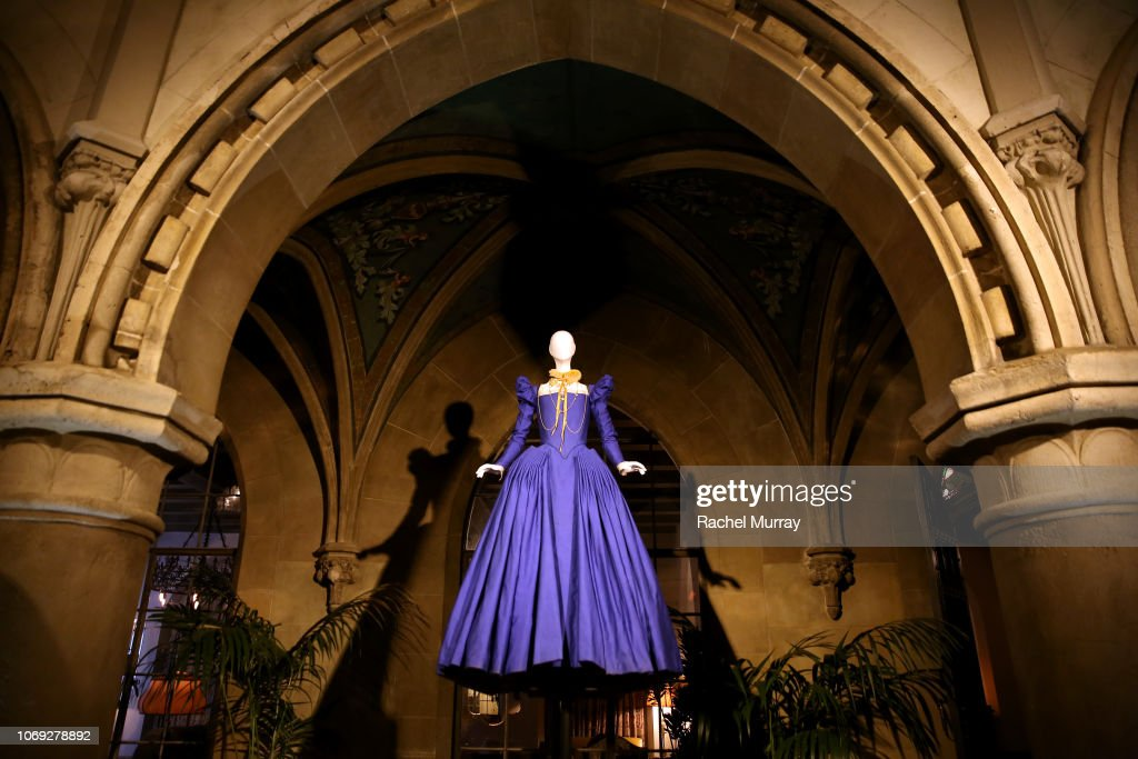"Vanity Fair and Focus Features Celebrate ""Mary, Queen of Scots"" : News Photo"