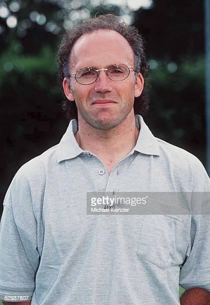 FREIBURG CoTrainer Achim SARSTEDT Portrait/Portraet