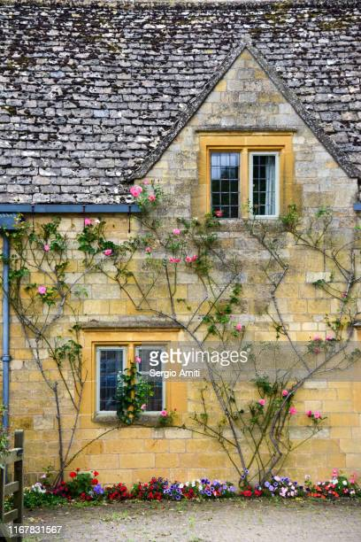 cotswolds cottage - cottage stock pictures, royalty-free photos & images