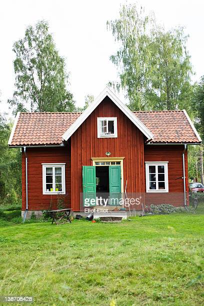 cottage house - small stock pictures, royalty-free photos & images