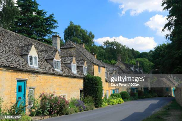 cottages at snowshill village, gloucestershire, cotswolds, engla - worcestershire stock pictures, royalty-free photos & images