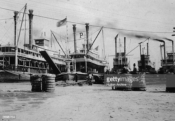 Cotton being loaded onto steamers in New Orleans Louisiana