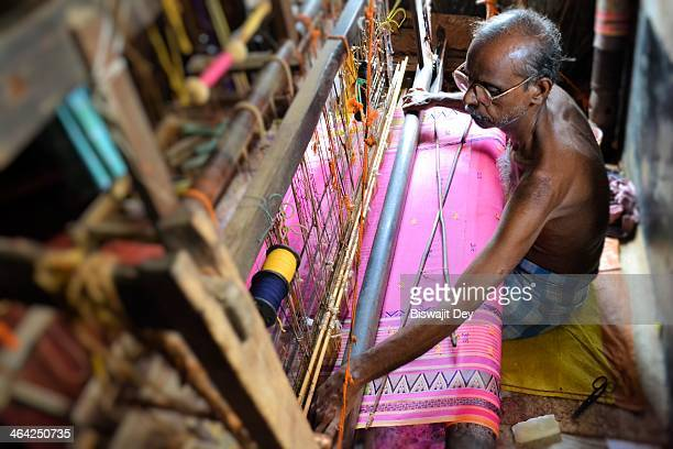 CONTENT] Cotton fabrics spun by Bengali weavers have become a legend worldwide for their fine textures and lightness It is traditionally made by the...