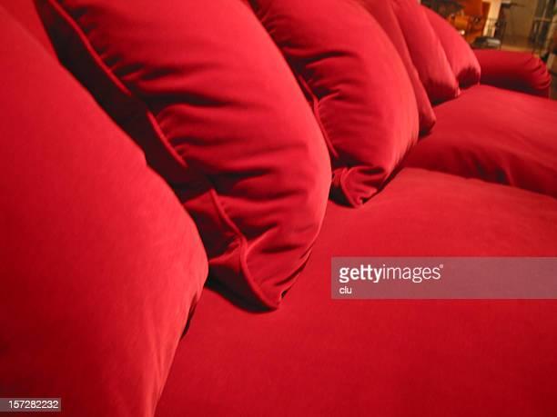 Canapé rouge dans pure