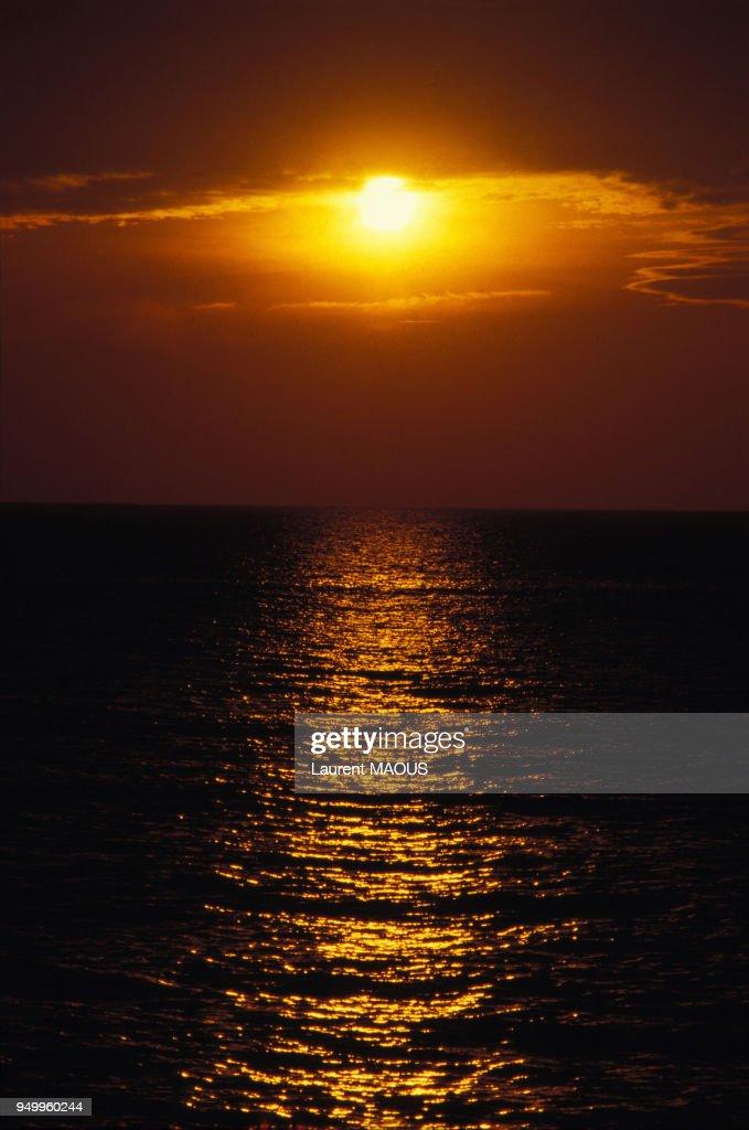 Coucher De Soleil Sur La Mer Mediterranee Le 7 Novembre 1986 A
